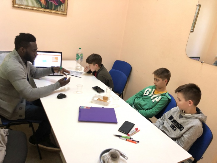 Speaking Club for Teenagers with Native speaker