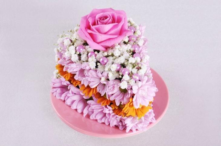 """Квітковий """"тортик"""" до весняних свят - майстер-клас з флористики"""