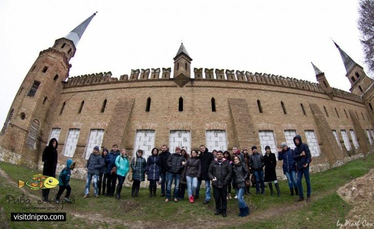 Поездка в Васильевку: замок Попова, зоопарк со львятами