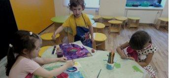 Уроки живописи в семейном клубе Shalom baby