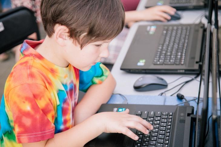 """""""Осінні студії"""" – комп'ютерний табір для дітей 8-11 років"""