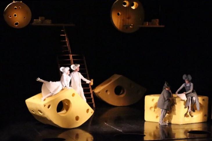 """""""Всі миші люблять сир"""" - музична казка на дві дії"""