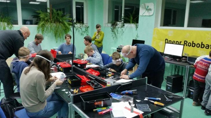SkillsCamp - Зимний Лагерь Мейкеров