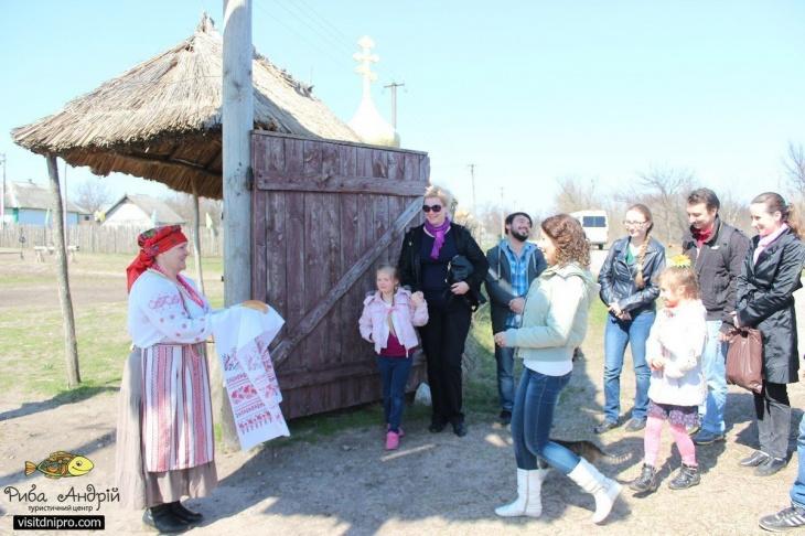 До Петриківки на Великдень та гуляння на хуторі