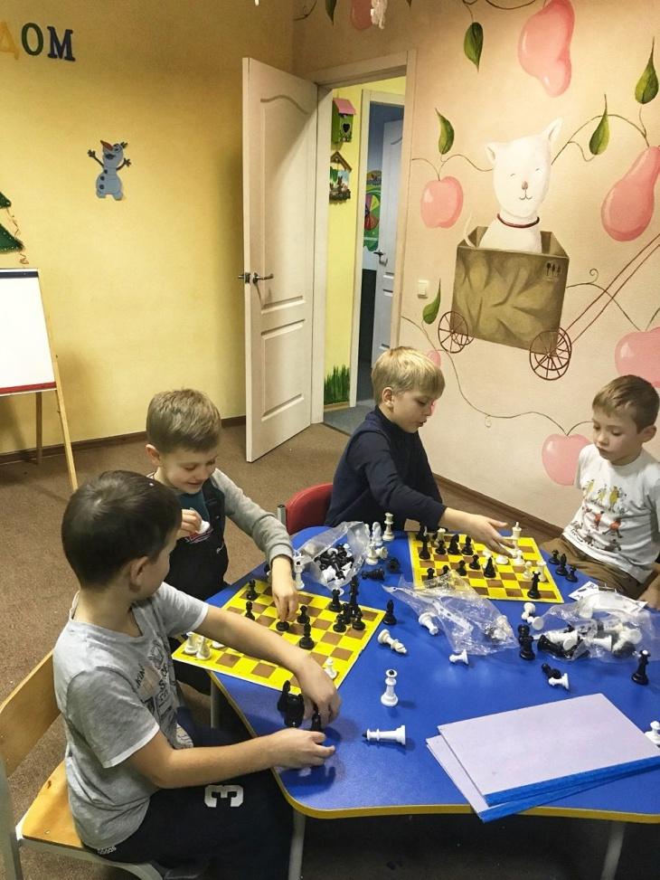 Школа шахмат в детском клубе Киплинг KIDS