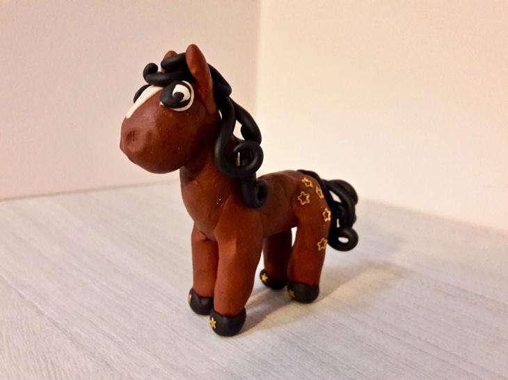 Картинка лошадки из пластилина