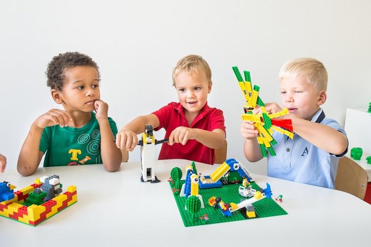 Табір «LEGO-няня»