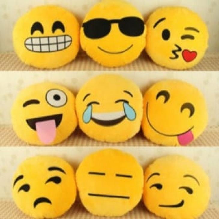 """Майстер-клас """"Подушечки Emoji"""""""
