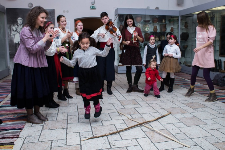 """Дитяча різдвяна фестивалія """"Орелі-Зима"""""""