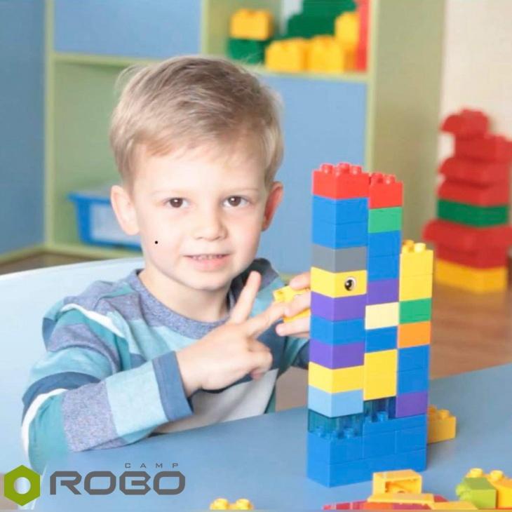 """""""Час для мам"""". Забави та конструювання з LEGO"""