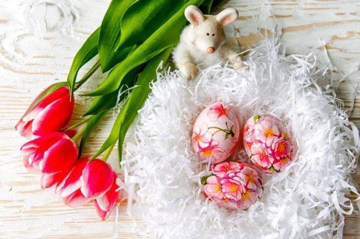 Великодній майстер-клас: Декор дерев'яних яєць у техніці декупаж