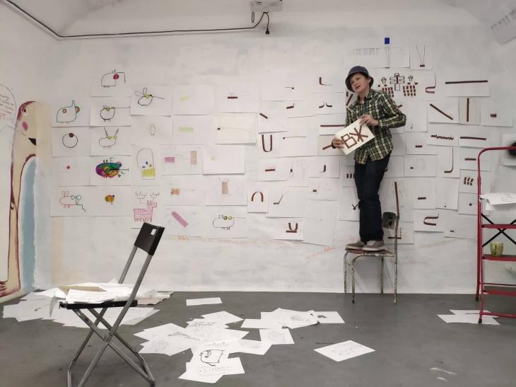 «Гілки та рури»: інклюзивна виставка двох художників-підлітків