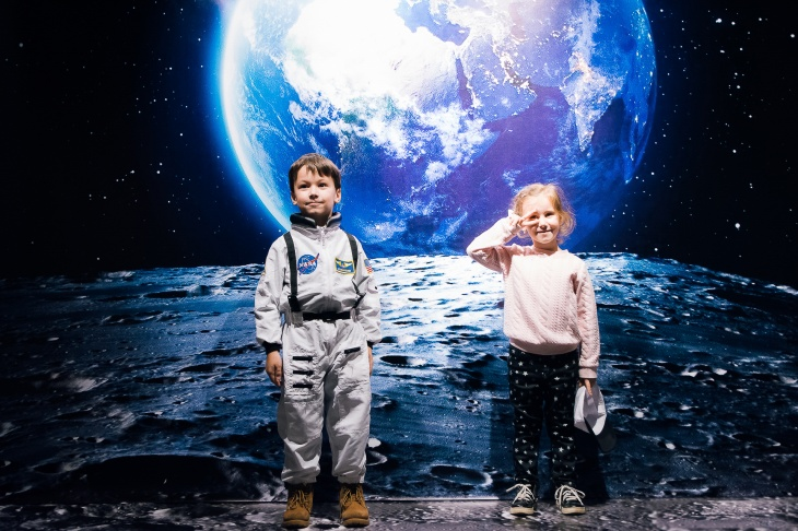 """Діти з Києва першими відправляться в космос. Виставка-пригода для всієї родини """"Космос ваш"""""""