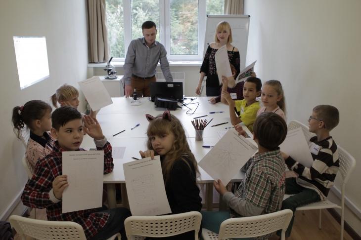 """Дитяча академія """"Футурум"""" запрошує дітей на безкоштовне пробне заняття"""