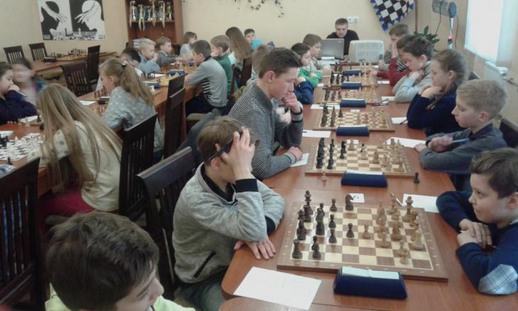 Шахові турніри з нормою 1, 2, 3 і 4 розрядів