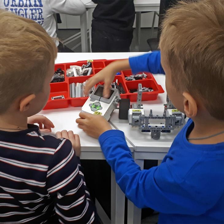 """Курс """"RoboEdu lvl.1"""" для дітей 7+ років"""