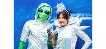 Новорічна лазерна битва з прибульцем