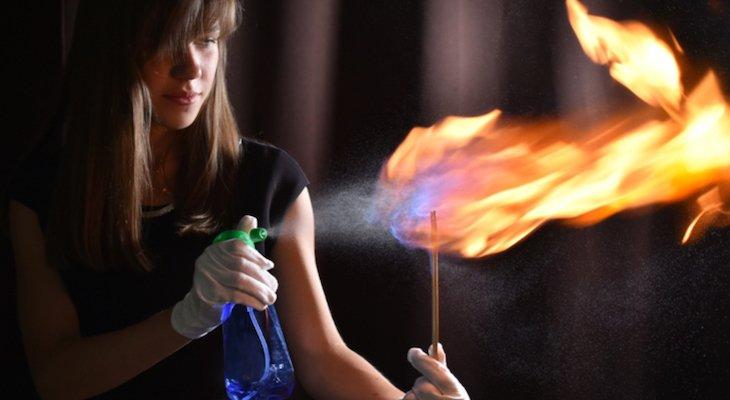 Огненное шоу в Музее интересной науки
