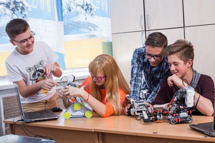 """Відкритий урок """"Робототехніка та технології майбутнього"""""""