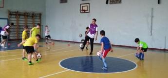Тренировка по футбольному фристайлу