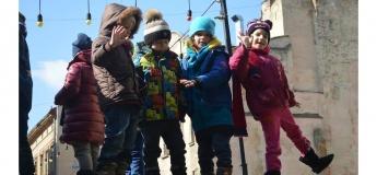 Ігрова сімейна екскурсія середмістям для дітей 4 - 6 та 7 - 9 років