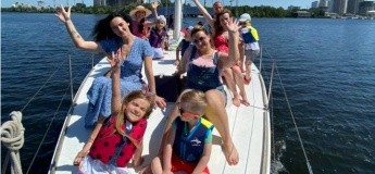 Прогулянка на яхті з дітьми разом з TravelMama