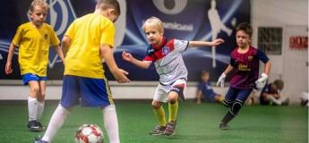 Триває набір дітлахів до футбольної школи Арсенал Kids