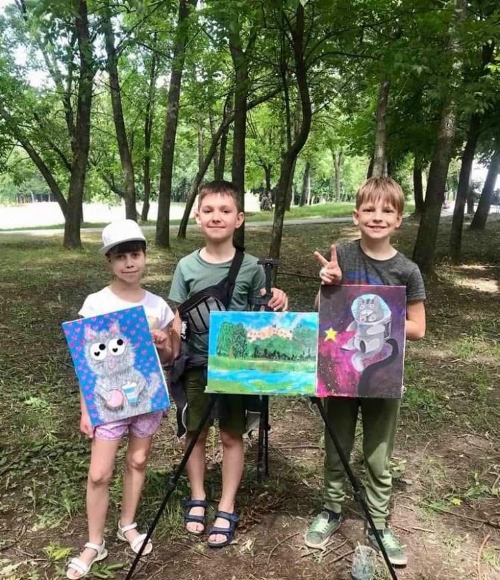 Виставка картин друзів: Анни - Марії, Мишка і Руслана