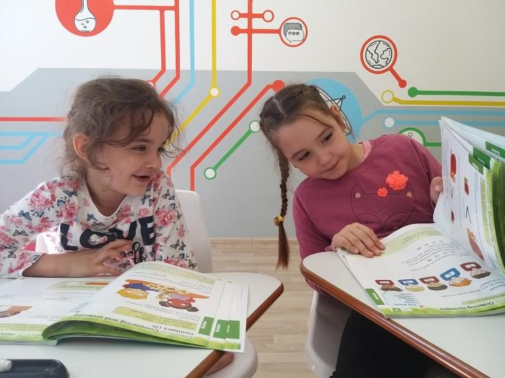 Знайомство зі школою Bilingual STEM School