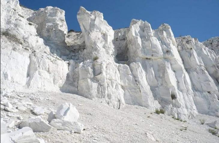 Петропавлівський каньйон і Білі скелі