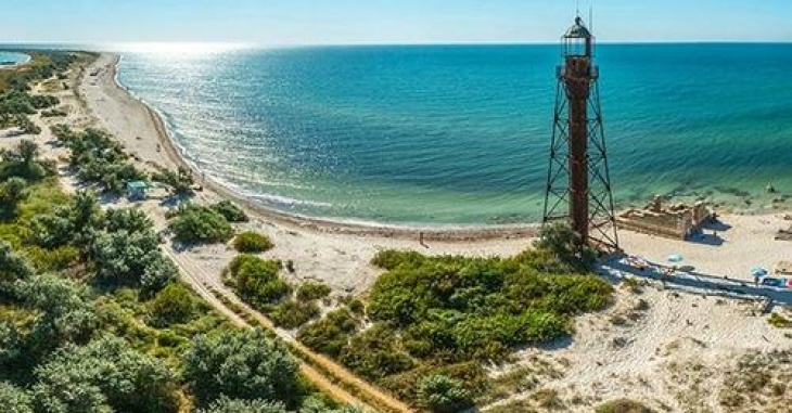 Остров Джарылгач и отдых в Железном Порту