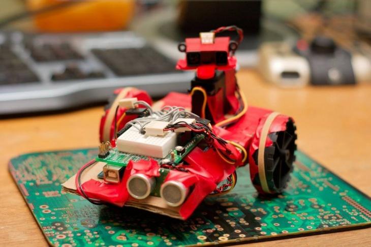 """Майстер-клас """"Рандеву з роботами: програмування та випробування"""""""