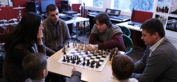 """Нетиповий шаховий гурток """"Хід конем"""" для дітей та дорослих"""