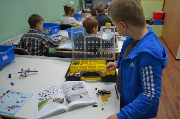 "Клуб робототехники ""Kids&Robots"" (Таирова)"