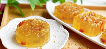 DIY Osmanthus Flower & Longan Jelly Mooncake