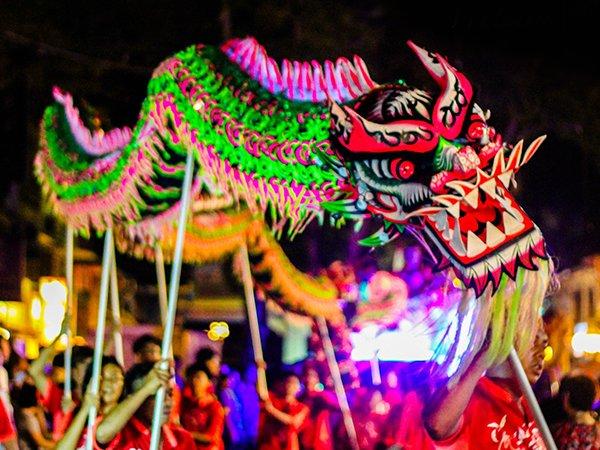 Electrifying Dragon Dance @Night Safari