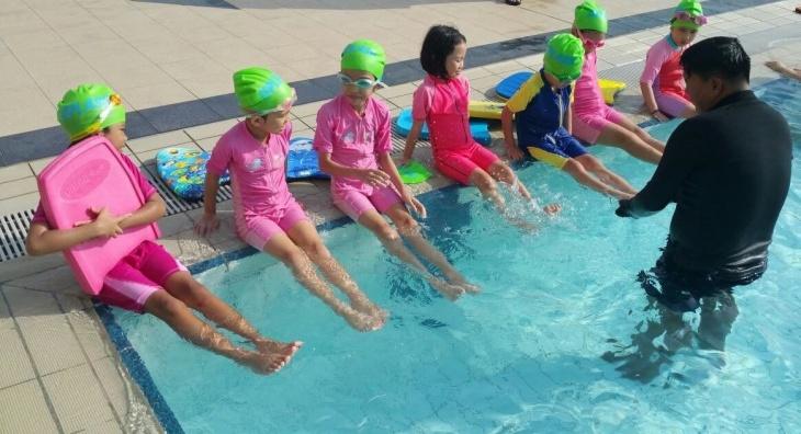 Kids Swimming Program
