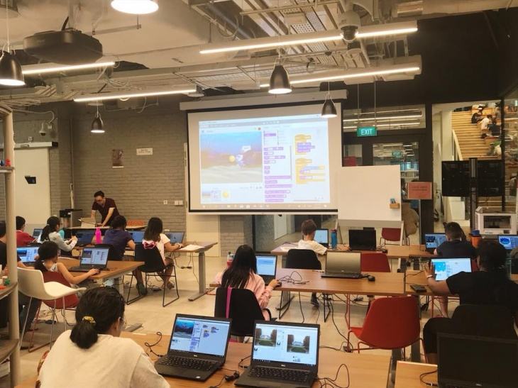 Game-making with Scratch Programming