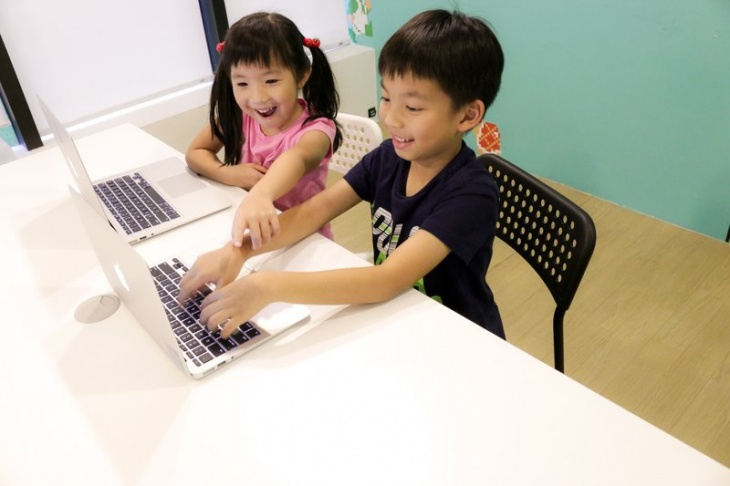 Christmas Camp: Start from Scratch: Animations & Games (Age 6-8