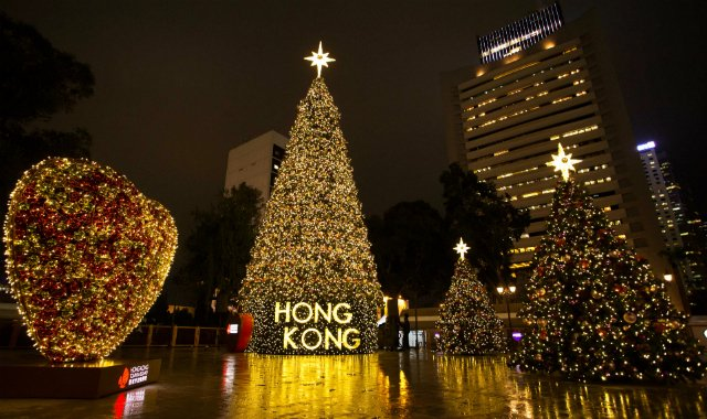 The  Statue Square Christmas Tree