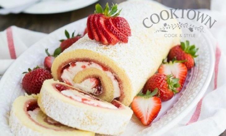 Strawberries Swiss Roll