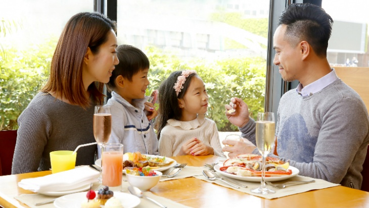 Harbourside's Sunday Brunch Fun For The Entire Family