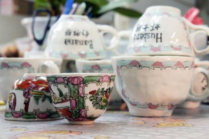 Art workshop: When pidgin English meets kwon-glazed porcelain (in Cantonese)
