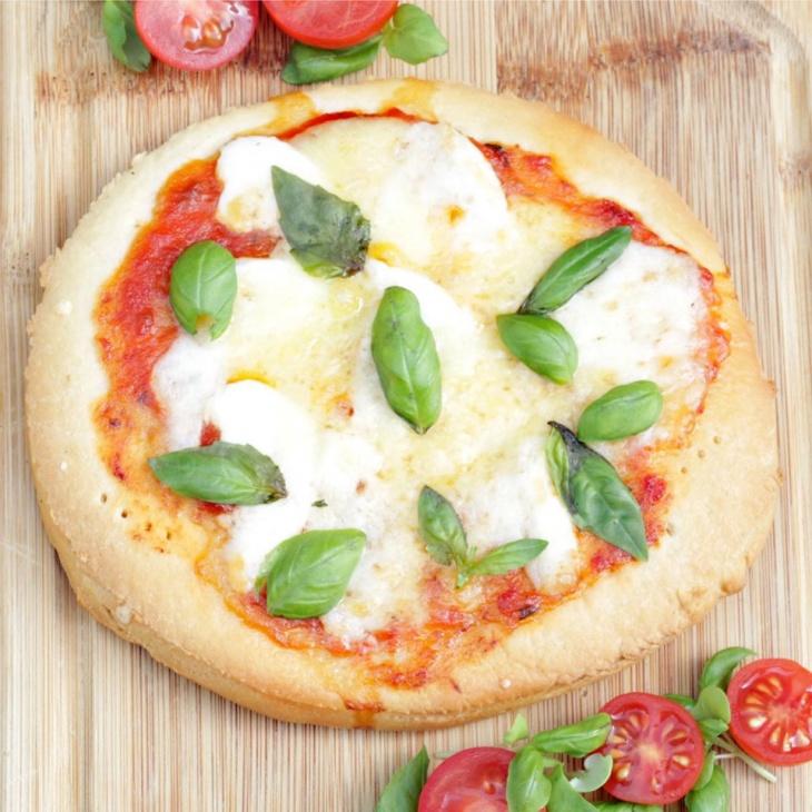 Kids Mini Pizzas: Margherita and Smoked Turkey Ham w/Mozzarella