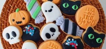 Halloween Treats by Spontiphoria