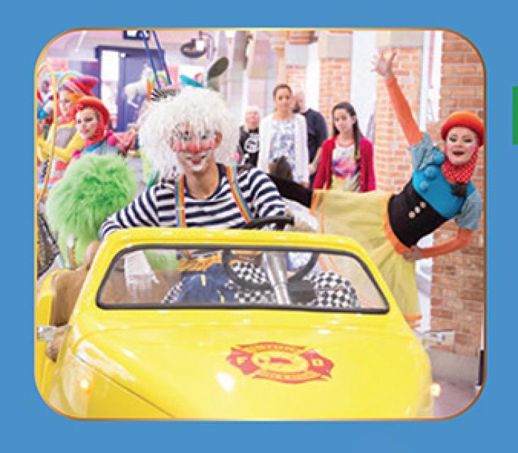Mercato's Circus Fiesta: Roaming Parades
