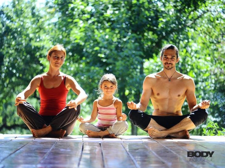 bb5bd2d2db5b3 Mother and Daughter Yoga | Tickikids Dubai